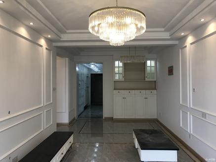爱山小学常溪旁精装三房,生活方便,首付3成房东包税!