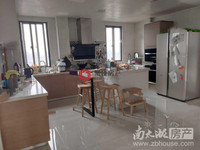 云峰苑28楼顶楼121平三室2厅居家装修满2年213万看房方便拎包入住