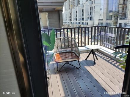 东方花园大排屋 228平只要400万 现房 赠送双层地下室和超大花园 带双车位