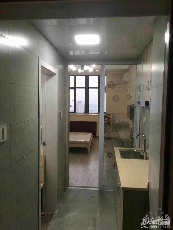 出租天成大厦22楼精装单身公寓38平
