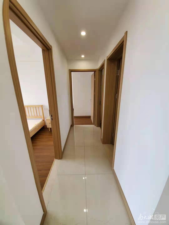 保利精装修出租,三室两厅两卫,押一付三。看房方便,
