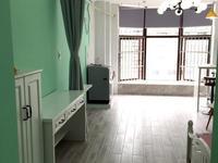 金色水岸精装单身公寓拎包入住,家具家电齐全车库独立位置好,出行方便