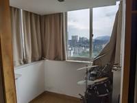 众鑫广场 三室二厅 136平 精装 部分家电家具 含车位 190万