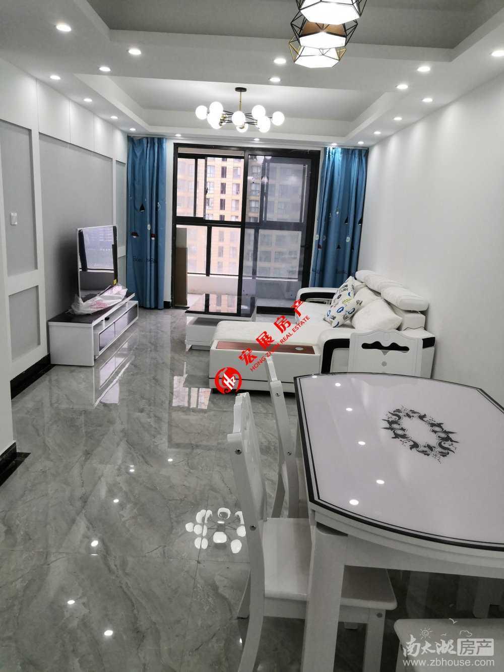 长岛府三室精装,家具家电齐全,带车位,首次出租