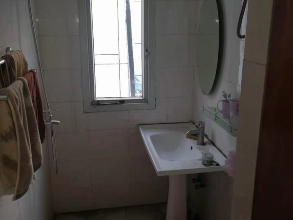 良装 一室半一厅 准拆迁