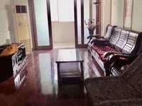 计家桥 三室二厅 130平 精装 空4,热,彩,冰,洗,床,家具 2500元