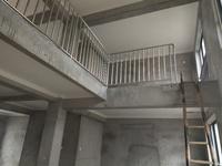 凤凰城复式 四室两厅 全新毛胚 满两年 赠送面积多