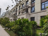 出售太湖边香樟园排屋面积225平报价468万包税