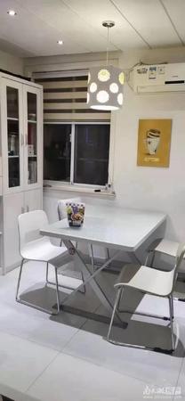 出售龙溪小区2室2厅1卫68平米98.6万住宅