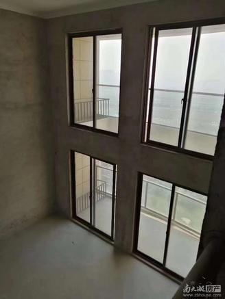 出售御湖天誉4室2厅2卫134平米145万住宅