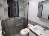 出售凤凰二村5楼63.68平,全新精装两室两厅,车库独立,满两年93.8万
