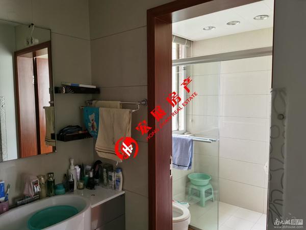 清丽家园5楼,132平三室两厅精装修报价211万
