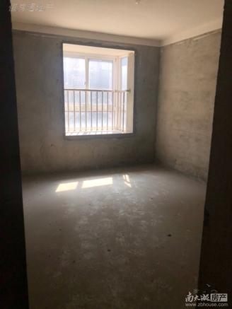 祥和花园东区车库上一楼99.5平,毛坯,南北通透,采光充足,满两年169.8万