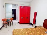 C717本店出租:仁皇山庄单身公寓2楼 39平 精装修 家电齐全 1500/月