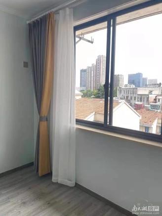 凤凰二村 5楼 60平方精装 83.8万