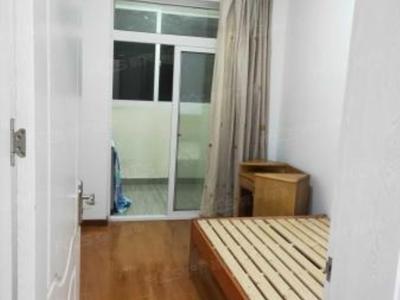 湖东家园 两室两厅 良装 满两年