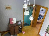 西白鱼潭小区 5楼精装修 带隔楼满2年,诚心出售可协商,学籍都在