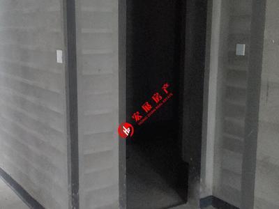 十里春晓3楼,户型阳光好,含两个车位,联系电话18268223518