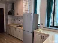 出租水岸公馆1室1厅1卫40平米1600元/月住宅