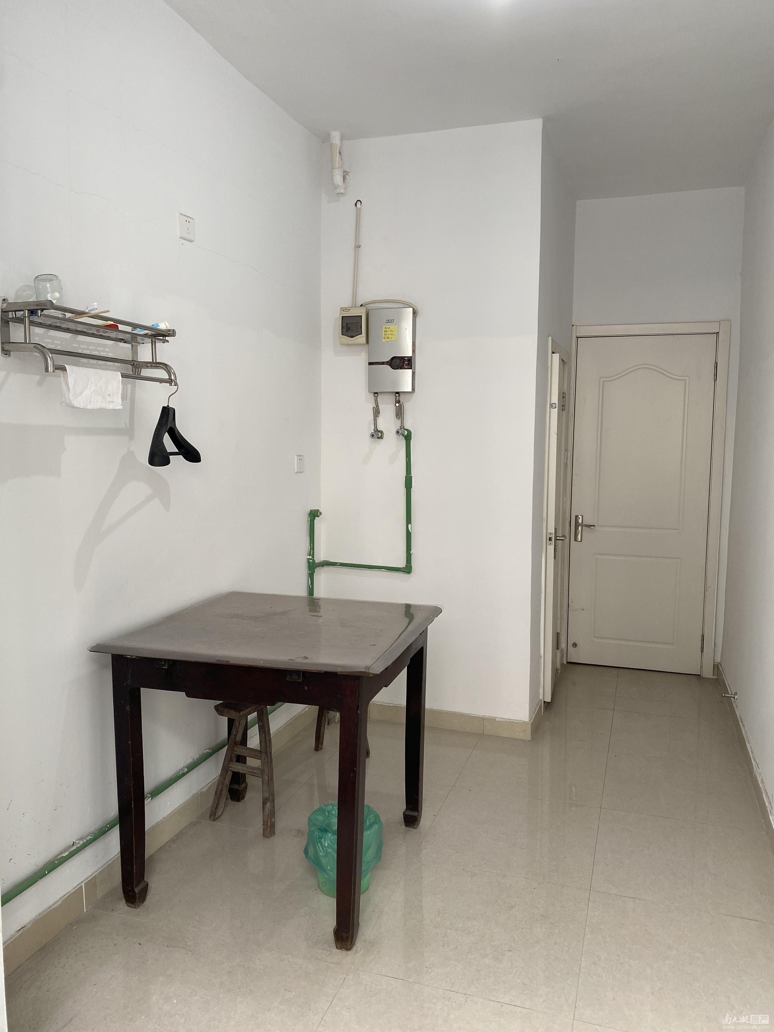 租3606 车站小区 3楼良装 1室1厅 900元