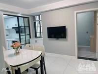 出售:凤凰一村71平2室半新精装 车库上一楼 满5年 109.8万