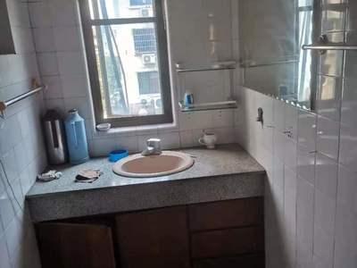 租3608 湖东小区 5楼非顶 3室2厅 良装 家电齐全 2000元