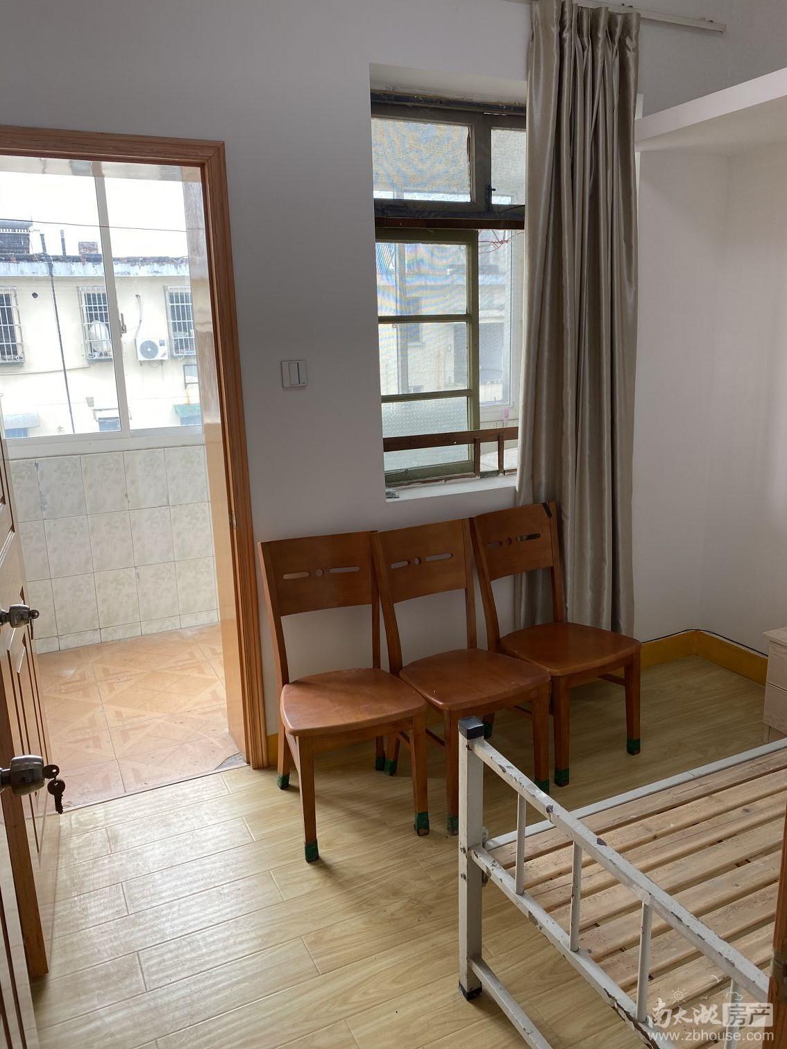 租3598 吉山四村 5楼良装 1.5室1厅 1150元