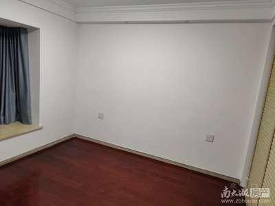 天盛花园,精装三室,楼层好,车位另售