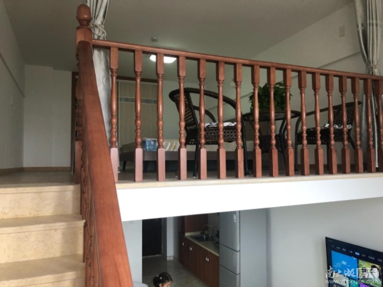 翰林世家loft公寓,小区环境好 拎包入住