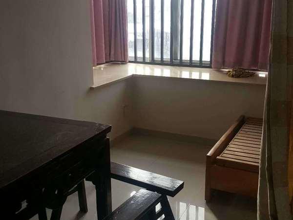 祥和花园1室1厅精装空 ,热 ,彩 ,冰,洗,床,家具 拎包入住 看房方便