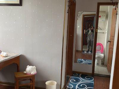市陌小区6楼良好装修 空2,热,冰,洗,床,家具 油烟机干净整洁拎包入住