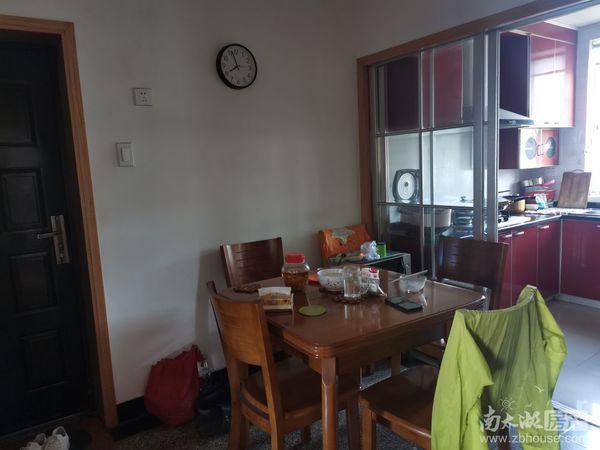 紫云小区,,自住装修,独立自行车库,两室半一厅明厨卫,两室朝南,学籍空,满五年