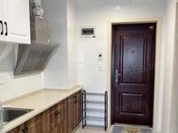 奥园一号 单身公寓 40平 精装 空,热,彩,冰,洗,床,家具 1700元