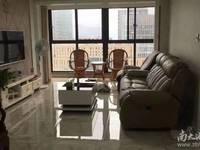 汎港润园 两室精装修 满两年 西边套 中间楼层 车位另售