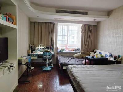 2730 祥和西区 5楼 138.99平 三室两厅两卫 自住 精装 210万