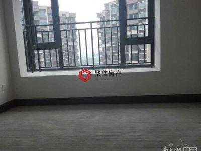 御湖天誉3楼134平三室2厅2卫毛坯,满2年145万看房方便阳光好价格实惠