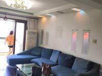 明都锦绣苑出售:精装修,2室2厅1卫,车库15平方,家居家电齐全,拎包入住。