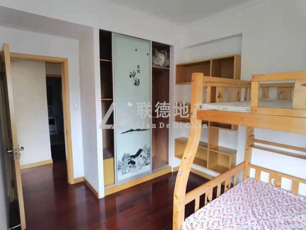 中大绿色家园 居家精装中间层 三室二厅 拎包入住