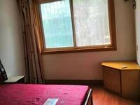 出租龙溪苑车库上一楼2室2厅73平米老精装 设备齐全 1700元/月住宅