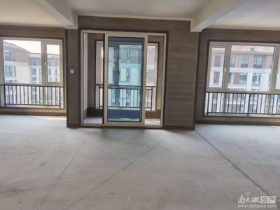 十里春晓出售:全新毛坯,137.52平方,4室2厅2卫,电梯洋房,东边套。