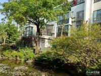 尊园小区出售:中等装修,113.78平方,3室2厅2卫,楼层好,南北通透。