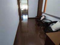 粮油市场多层四楼带阁楼200多平米5室2厅2卫三阳台 拎包入住3800一月!
