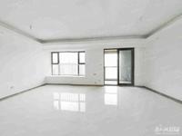 湖州壹号出售:4室2厅2卫,128平方,报价:208万,精装修,22 27楼