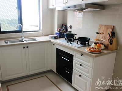 独家出售祥生悦山湖1楼带花园院子116平方,上下两层可打通,阳光好