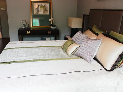 祥生悦山湖洋房 105平 3室两厅两卫,全新毛坯户型好,视线好 储藏室加产权车位