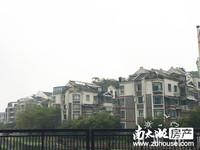 出售:竹翠园2楼 三室两厅 精装 满五 117平 192万