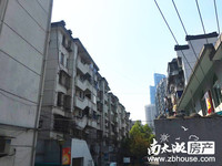 塔下街,良好装修,户型好,满2年,位置好,生活方便,有钥匙,诚心卖,价格协商