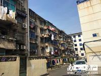 出售飞英新村2楼122平方四室二厅二卫较好装修空调5个家具家电齐车库独立160万