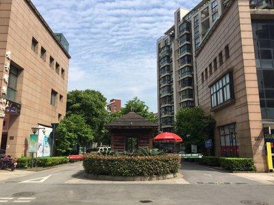清丽家园3楼133方 170万自行车库独立良装 前面公园