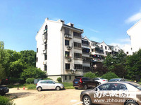 东白鱼潭 5楼 70平米 二室半二厅二卫 精装 露台15平米 车库5平米